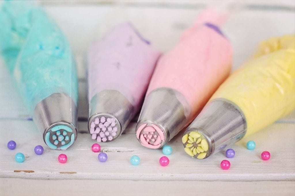 Cake Decorating Tools For Beginners  from www.bakingkneads.com