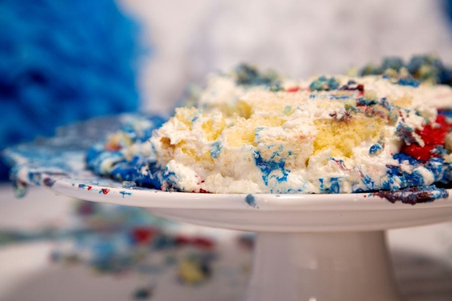 9 Common Cake Baking Problems and Solutions