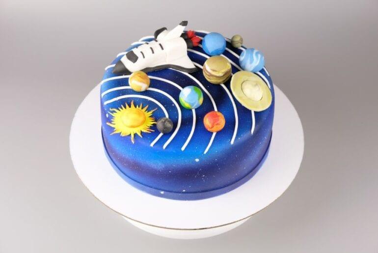 Airbrushed Cake
