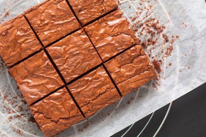 Cleanly-Cut Brownies