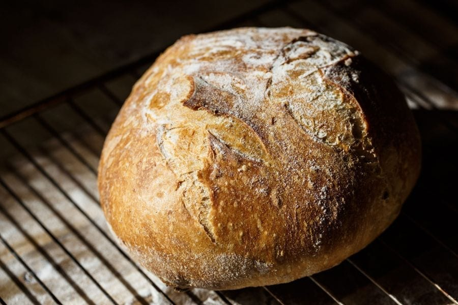How to Make Bread Without Yeast or Baking Powder