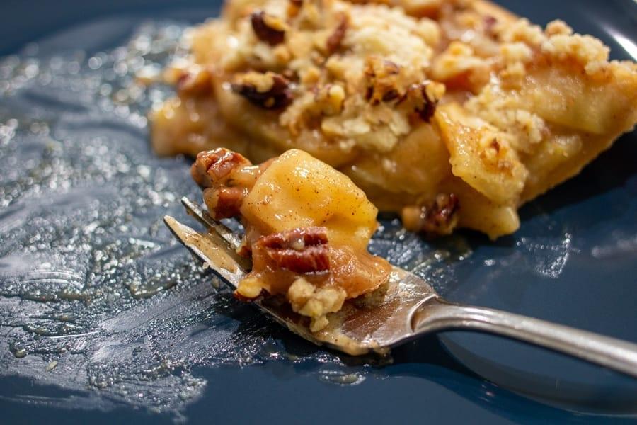Bite of Caramel Apple Streusel Pie