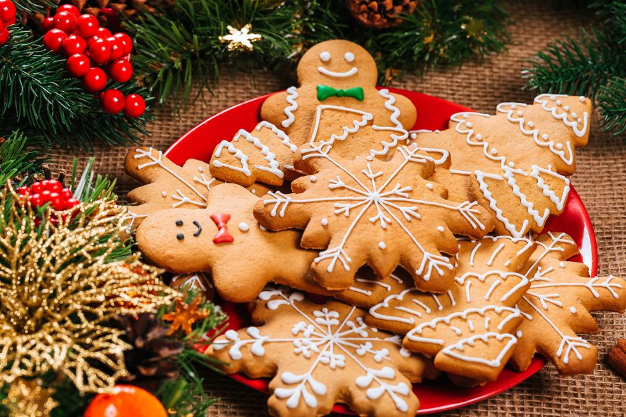 How to Store Christmas Cookies (To Make Them Last Longer)