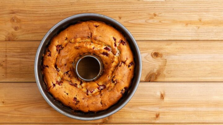 Why Did My Bundt Cake Fall? (5 Possible Reasons)